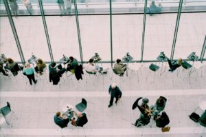 B2B業務溝通技巧:如何透過觀察他人的行為,準確的溝通以成交訂單?